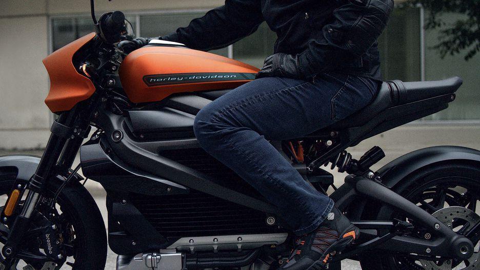 Harley-Davidson выпускает свой электромотоцикл Livewire (harley davidson livewire 004)