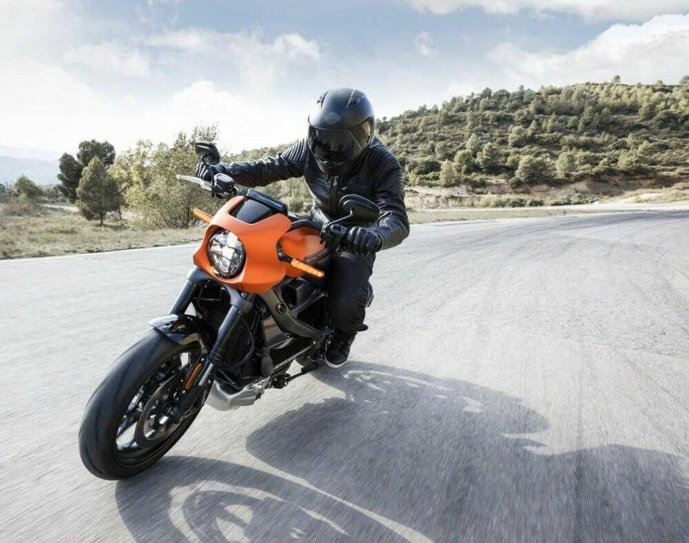 Harley-Davidson представил новый электромотоцикл LiveWire (harley davidson livewire 2 1)