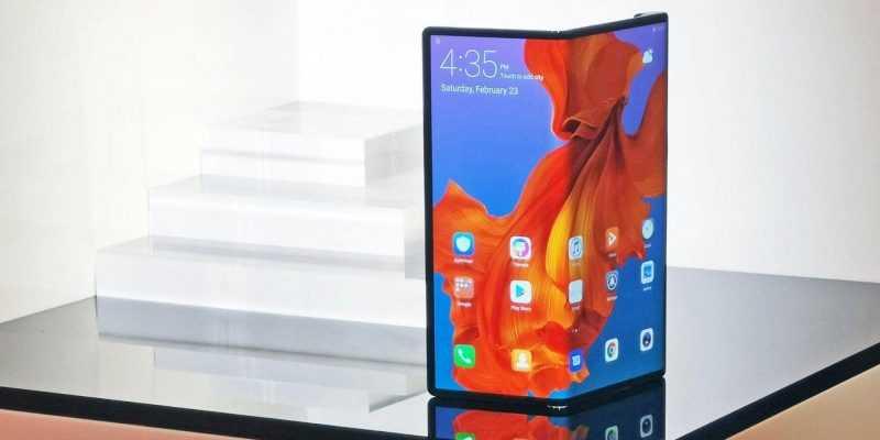 Cлухи: Samsung может поставлять Apple складные дисплеи для будущих iPhone (hs3vsg5dbdsh8qxxd4oeb3)