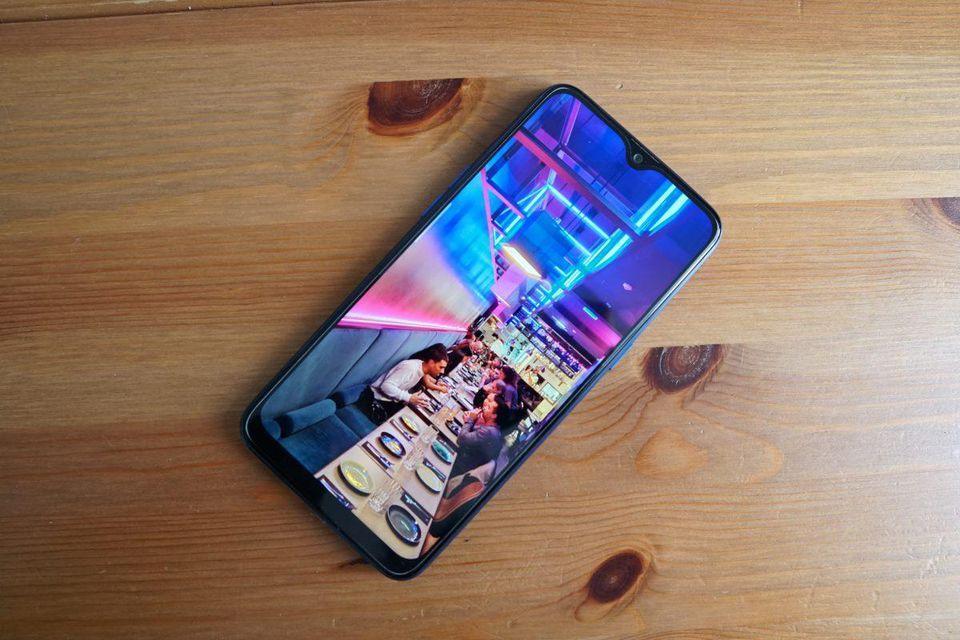 Oppo представила смартфон Realme 3 для индийского рынка (https blogs images.forbes.com bensin files 2019 03 dsc02461)