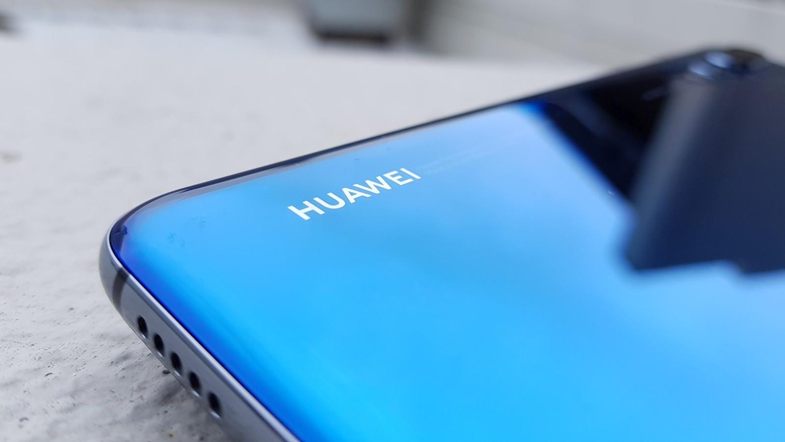 Google приостановит лицензию Huawei на Android в связи с запретом американского правительства (huawei p20 pro review 3)