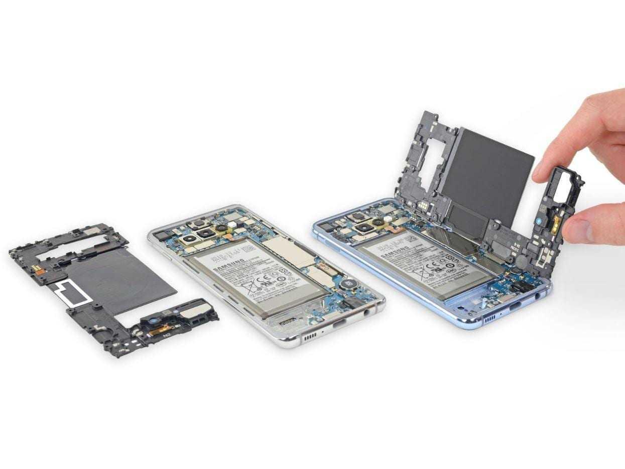 В iFixit разобрали Galaxy S10. Ремонтировать его будет сложно (ifixit s10 1)