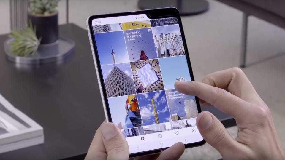Cлухи: Samsung может поставлять Apple складные дисплеи для будущих iPhone ()