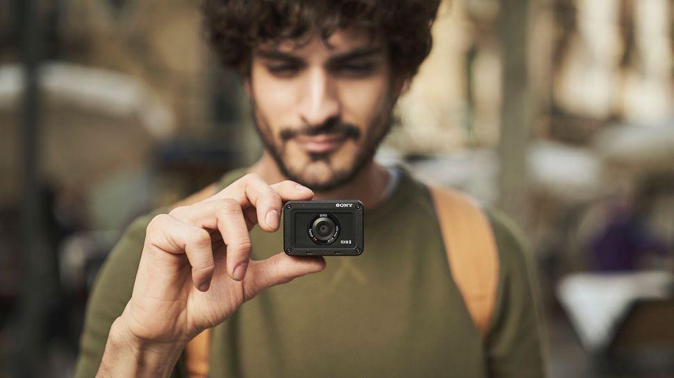 Sony анонсировала новую экшн-камеру RX0 II с поворотным экраном (uchgeqbti2hxbnsdnymkxq 970 80)