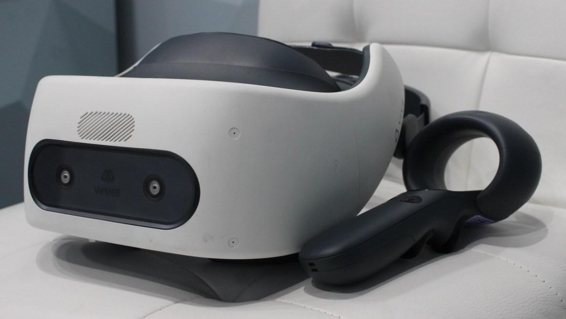 VR-очки HTC Vive Focus Plus выйдут в середине апреля (vive focus plus first look standalone vr with a big control boost)