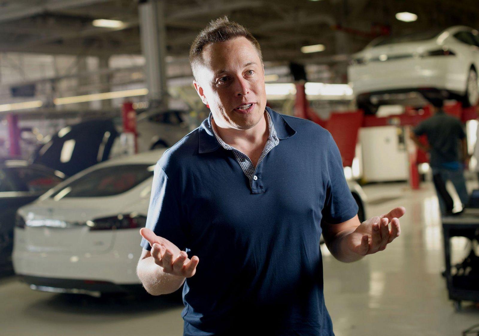 Tesla сократила десятки сотрудников отдела продаж и уходит в онлайн (131223132515 2013 tech elon musk)