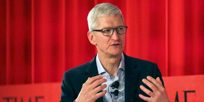Глава Apple Тим Кук посоветовал владельцам iPhone поменьше пользоваться устройствами (190423 tim cook coding)