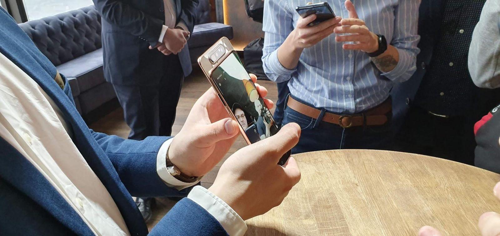 Samsung выпустил Galaxy A80 с вращающейся камерой (20190410 153858)