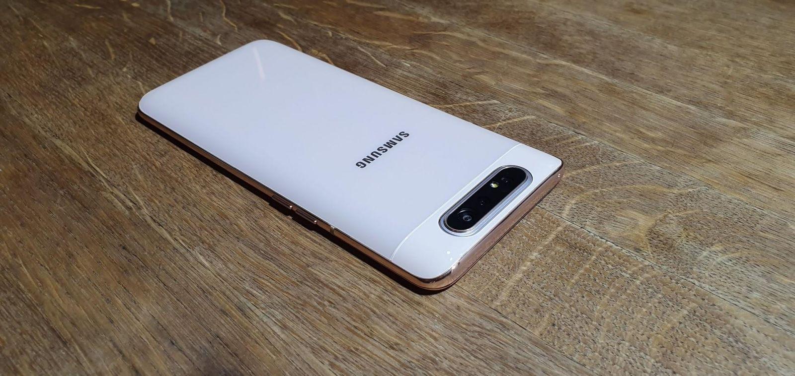 Samsung выпустил Galaxy A80 с вращающейся камерой (20190410 160641)