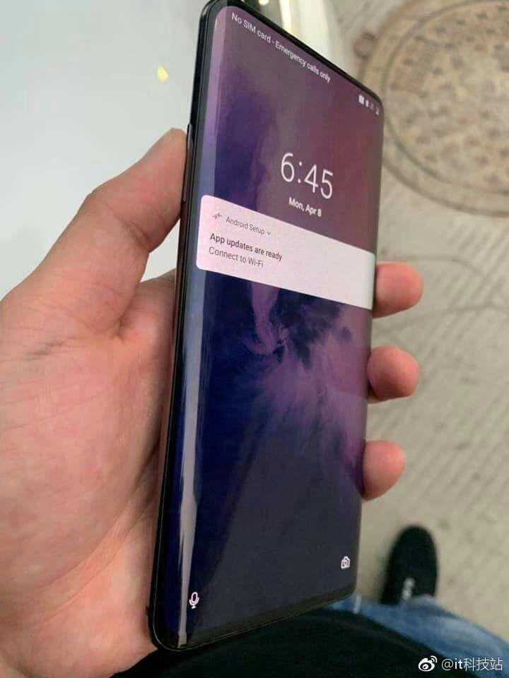 В сеть утекли живые фотографии OnePlus 7 Pro (8f9a4d9fgy1g1wrdqtjqaj20k00qomyd)