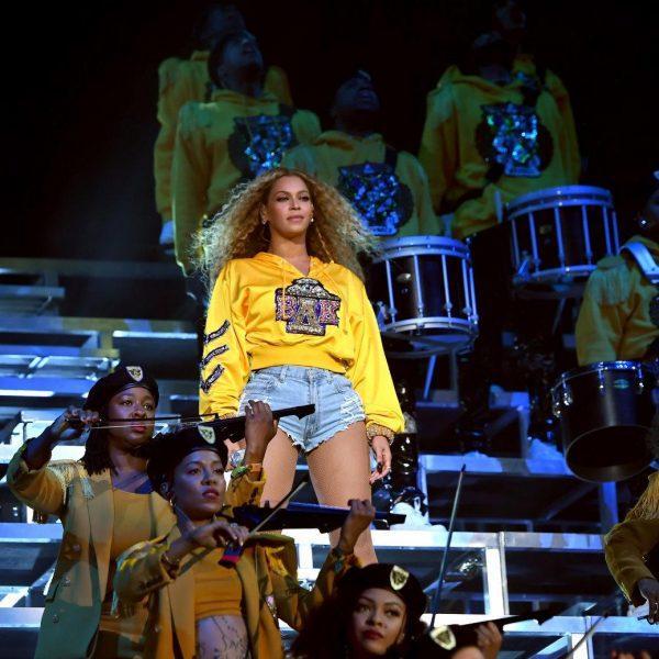 Netflix дебютирует 17 апреля с документальным шоу Beyoncé Coachella (dims 1)