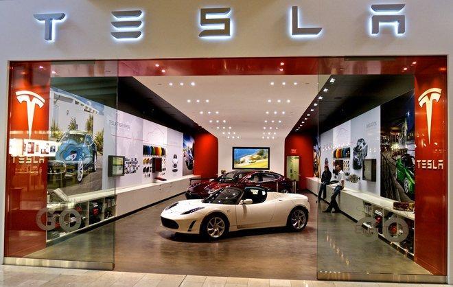 Tesla сократила десятки сотрудников отдела продаж и уходит в онлайн (dj1dushw4aeun2c)