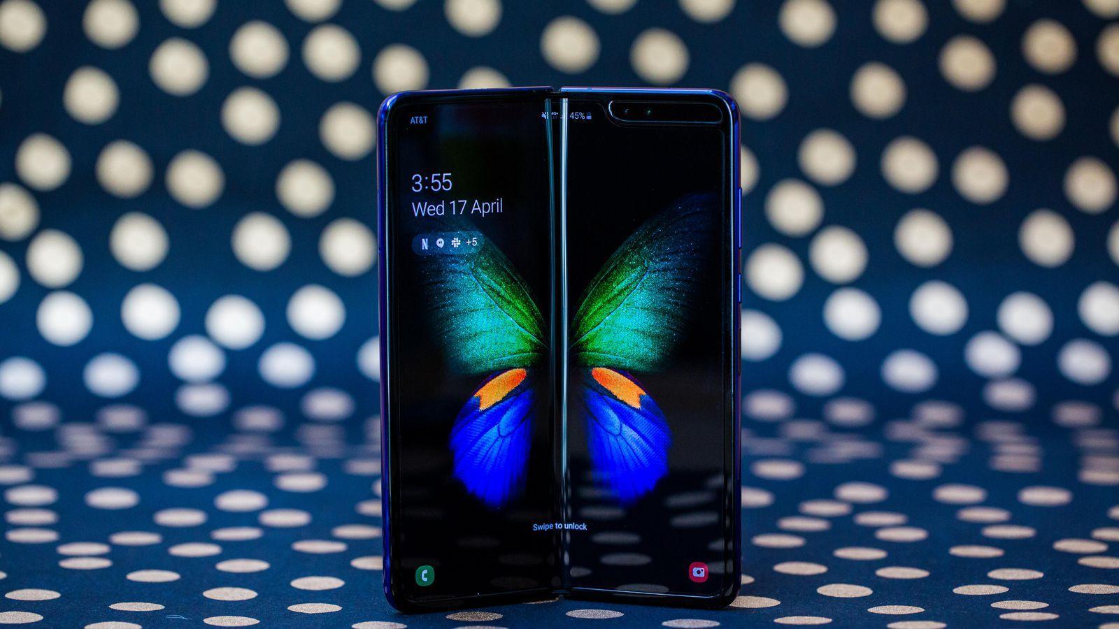 Samsung отложила запуск Galaxy Fold в Китае (galaxy galaxy fold 84)