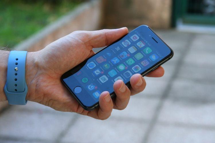 Преемник iPhone 8 и SE: Apple выпустит новый 4,7-дюймовый iPhone в марте 2020 года (mg 655be84e 9dfa 41a8 a96e accroche)