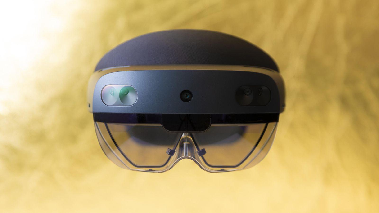 Microsoft сделала очки HoloLens для армии США (microsoft msft hololens 2 1422)