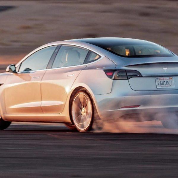 Автомобиль Tesla Model 3 больше не доступен для заказа онлайн (model 3 track mode release)