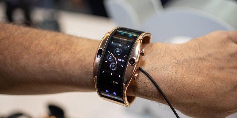Смартфон-браслет ZTE Nubia Alpha выйдет на этой неделе (nubia alpha mwc 2019 5)