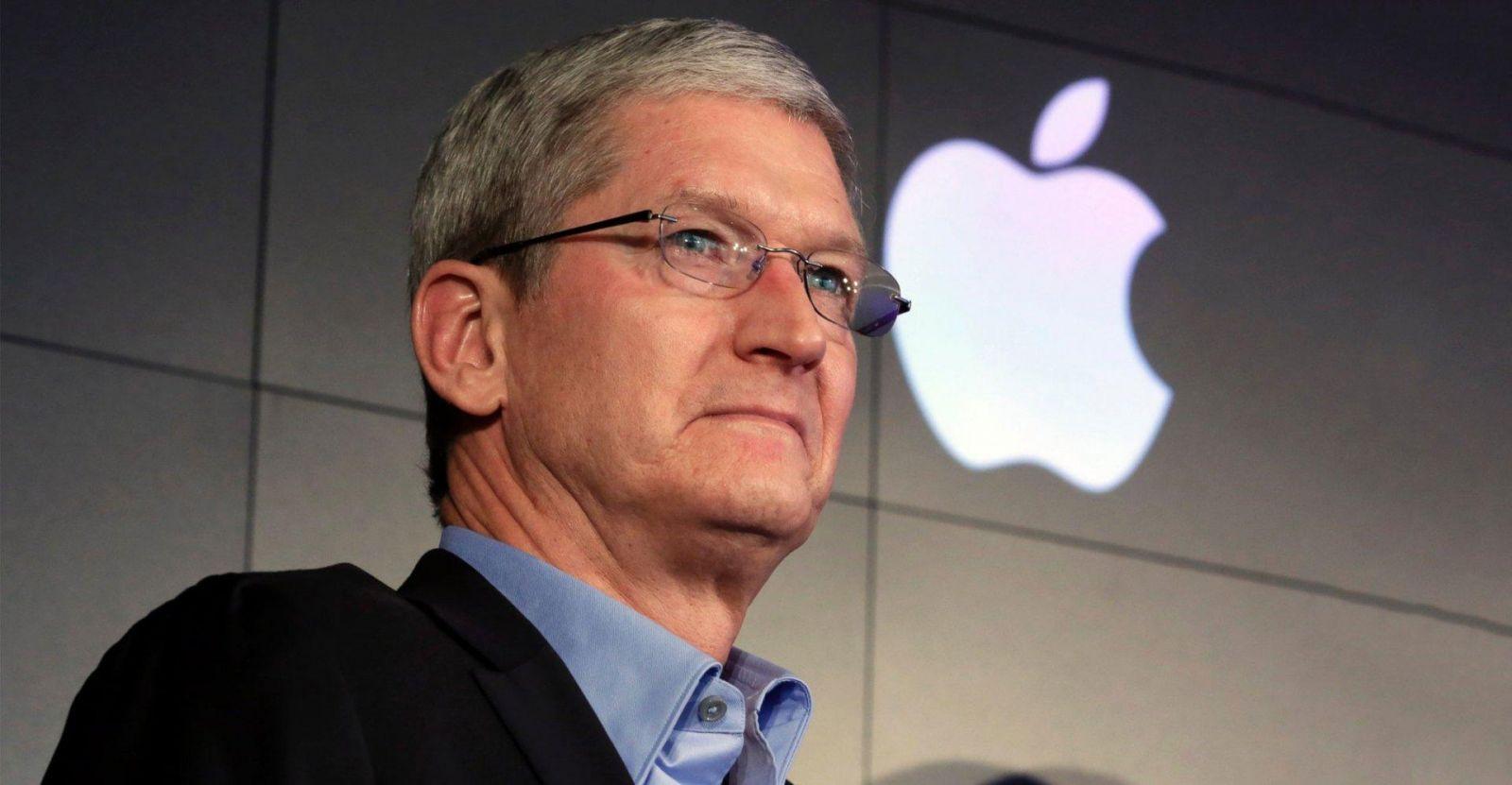 Apple финансово поможет в восстановлении Нотр-Дам де Пари (tim cook 2156 1120)
