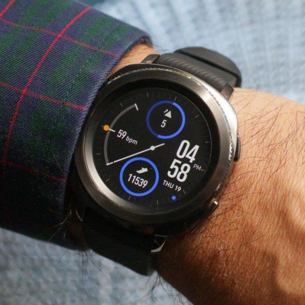 Новое обновление смарт-часов Samsung Galaxy Watch, Gear Sport и Gear S3: интерфейс One UI и оптимизация расхода батареи (004 samsung gear sport)