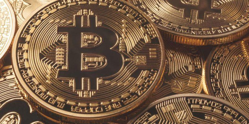 Курс биткоина достиг отметки в 8 тысяч долларов впервые с июля прошлого года (bitcoins)