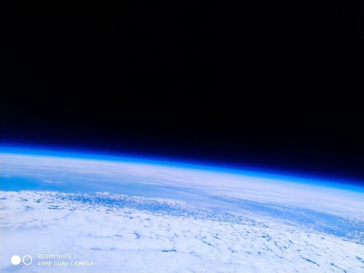 Смартфон Xiaomi Redmi Note 7 побывал в стратосфере и сделал снимки Земли (d5ygy3ruyaanc 4)