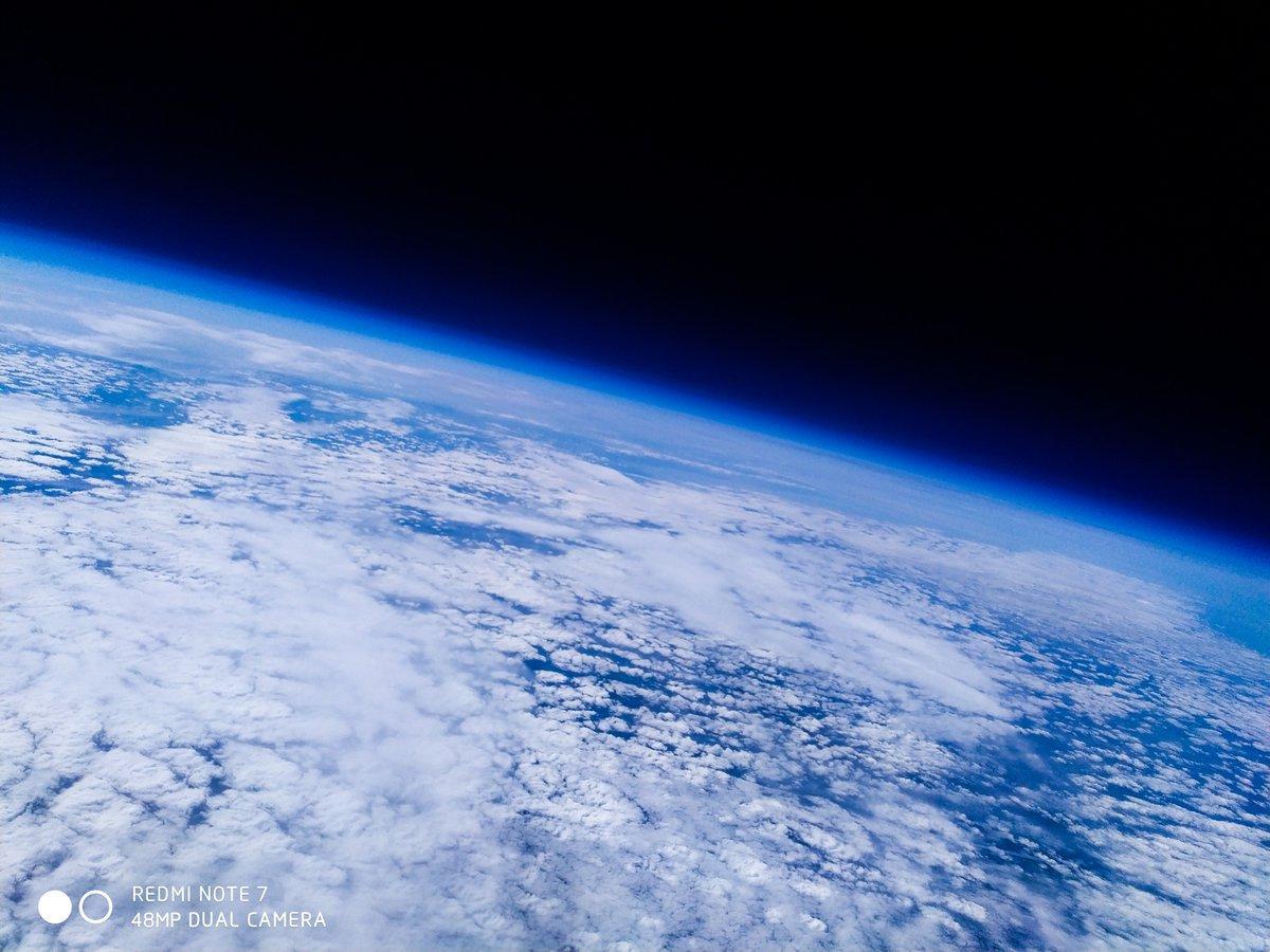 Смартфон Xiaomi Redmi Note 7 побывал в стратосфере и сделал снимки Земли (d5ygz5ruiaalnbp)