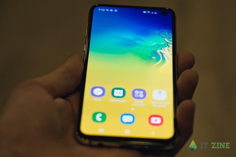 Обзор Samsung Galaxy S10e. Лучший компактный флагман (dsc 7259)