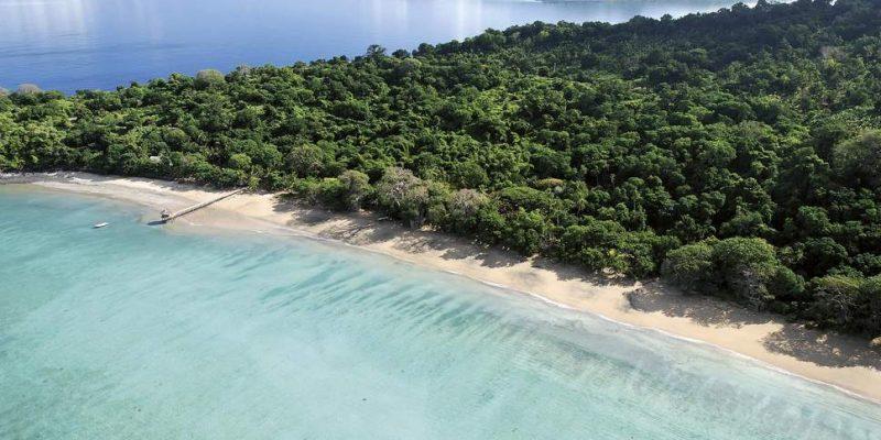 Ученые обнаружили необычный подводный вулкан у побережья Африки (istock 547442672)