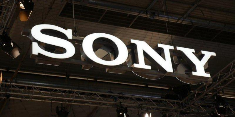 Sony работает над первым складным смартфоном Xperia F (the xperia f could arrive next year as sonys first foldable smartphone)