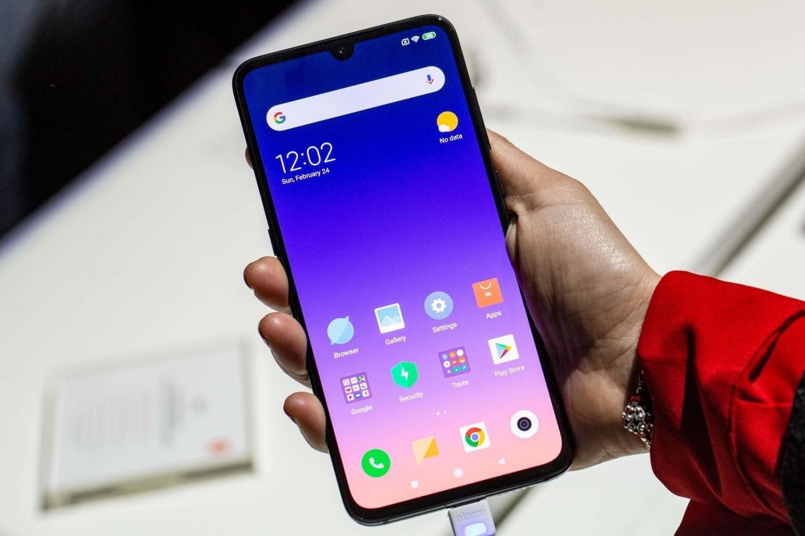 Xiaomi официально представила смартфон Mi 9 SE в России (xiaomi mi 9 se 0 1)