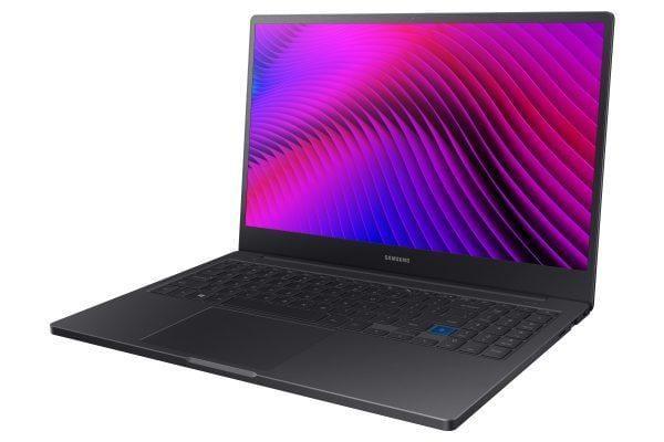 Samsung анонсировал новые ноутбуки Notebook 7 и Notebook 7 Force (2019 006 notebook7force)