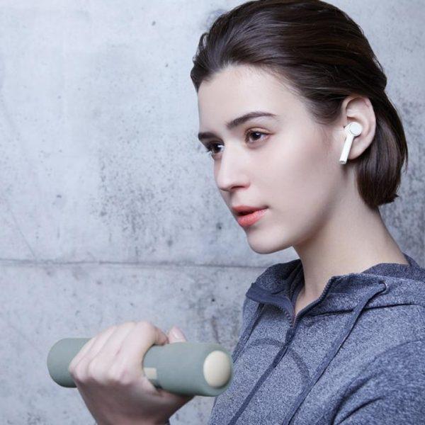 Xiaomi запускает Mi 9T, телевизоры Mi TV и Mi Smart Band 4 в России (mi true wireless earphones 03)