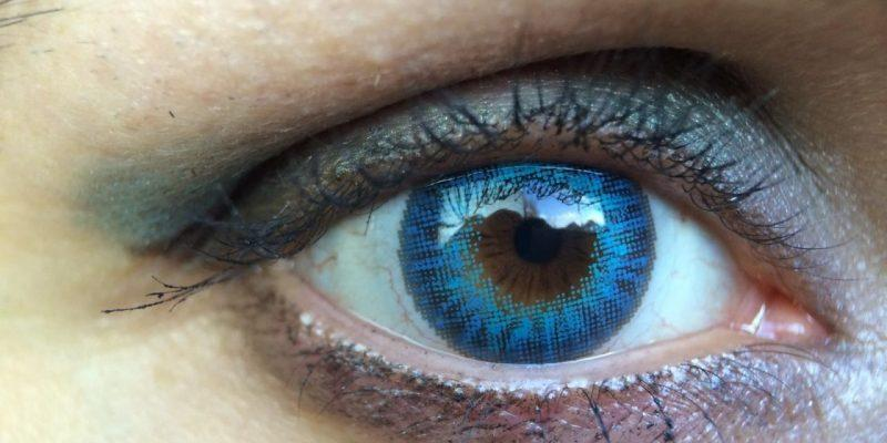 Ученые создали контактную линзу, которая позволяет увеличивать изображение (air optix color ciba vision freshlook air optix brilliant blue colour review of air optix color)