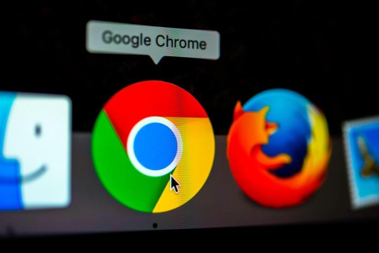 Google будет бороться с шпионскими расширениями в Chrome (google chrome sign)