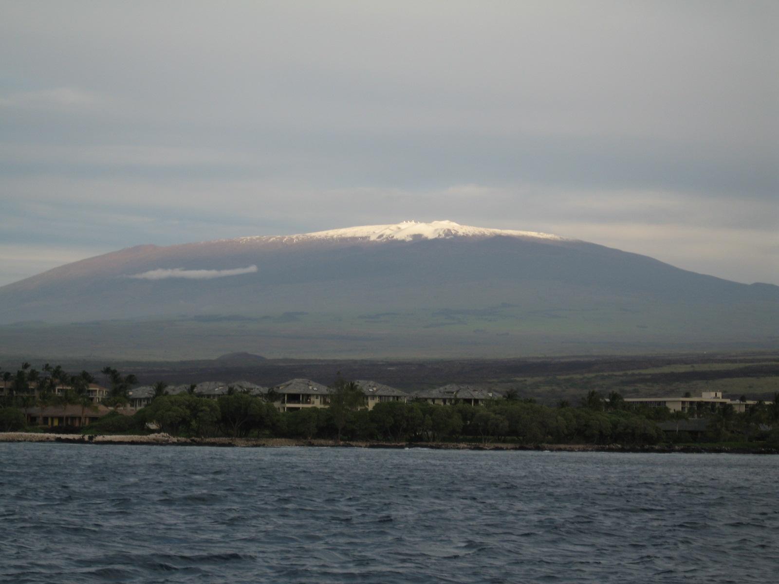 Коренные гавайцы остановили постройку нового телескопа (mauna kea from the ocean)