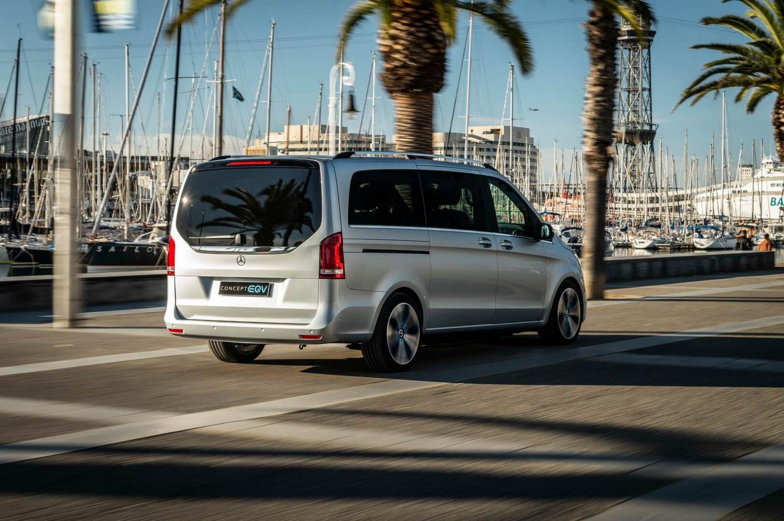 Mercedes-Benz представил минивэн EQV с электрическим двигателем (6)