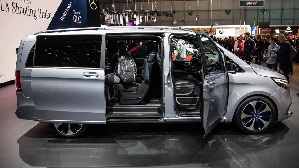 Mercedes-Benz представил минивэн EQV с электрическим двигателем (9 1)