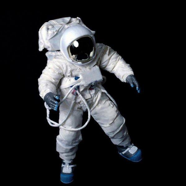 Российские специалисты планируют создать скафандр для лунной миссии (astronauta en el espacio)