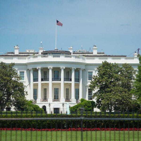 Белый дом готовит закон о защите от онлайн-цензуры (bn tq519 dubke0 gr 20170530080656)