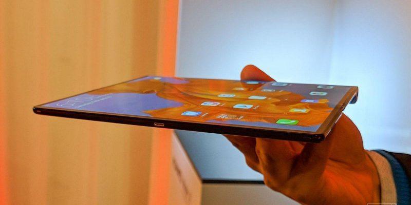 Huawei опять откладывает выход Huawei Mate X до ноября (huawei matex mwc19 vsavov3)