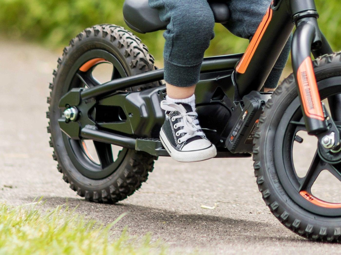 Harley-Davidson представила детские электровелосипеды (key features footrest jaypeg)