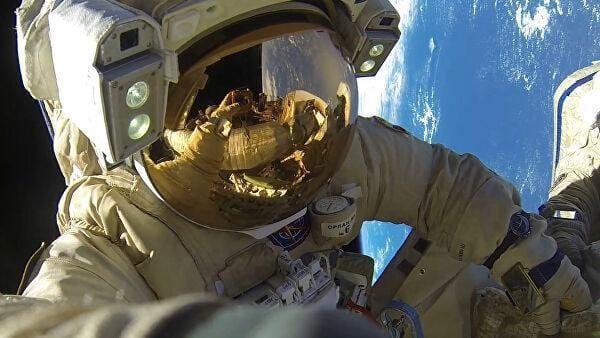 Российские специалисты планируют создать скафандр для лунной миссии (kosmos)