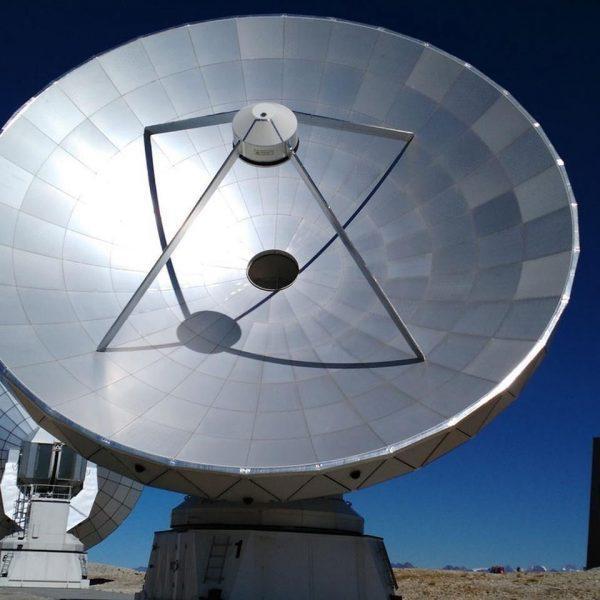 Ученые придумали, как можно обнаружить невидимые черные дыры (moon 1400 f2b76ee8a3c1586503eea15d650eba4d)