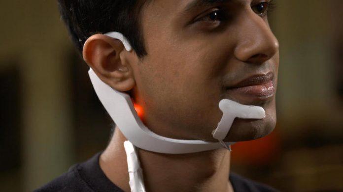 Американский студент создал устройство для «телепатического общения» с компьютером (ot futurefactorye)