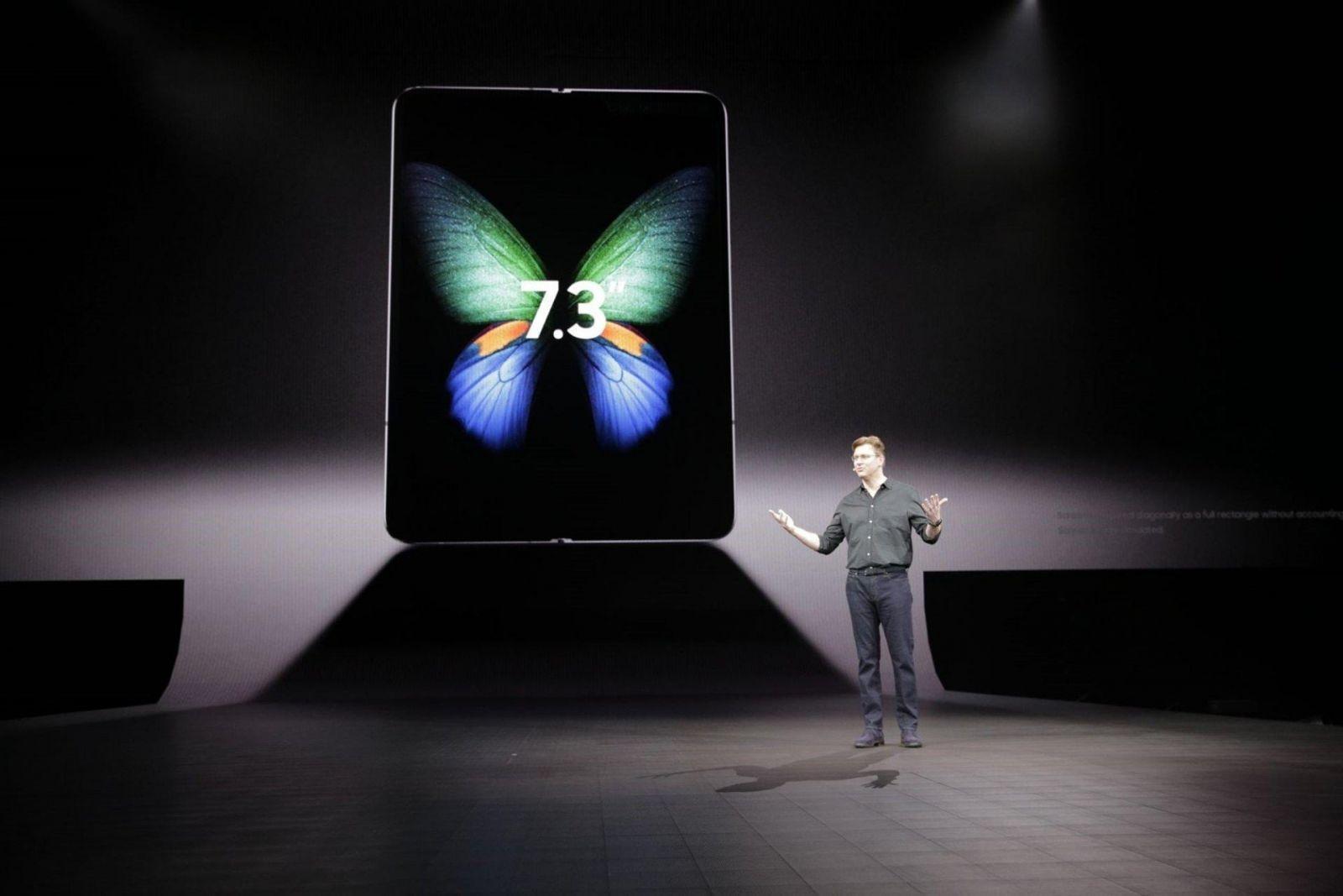 Huawei опять откладывает выход Huawei Mate X до ноября (pb9f1675c8)
