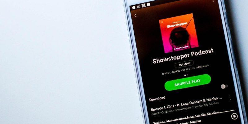 Spotify-подкастеры смогут получать информацию о своих слушателях (spotify hero)