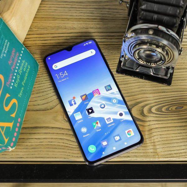 Xiaomi представила улучшенную версию Mi 9 (xiaomi mi 9 1 of 22)