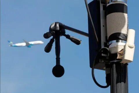 В Париже тестируют шумовые радары для отлова водителей с громким выхлопом авто (46)