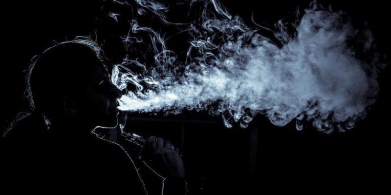 В 4 странах мира запретили продажу электронных сигарет (674573376731)