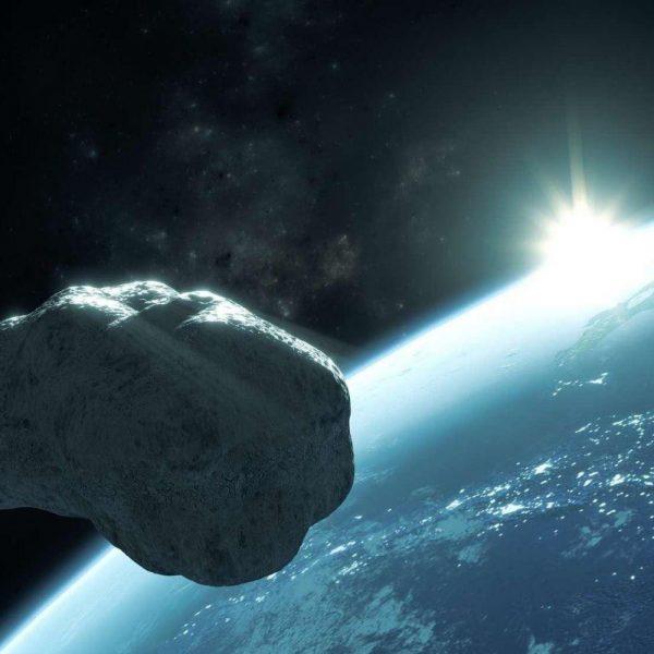 Обнаружен астероид, способный менять свой цвет (855d453cd4 112525 asteroide geoc)